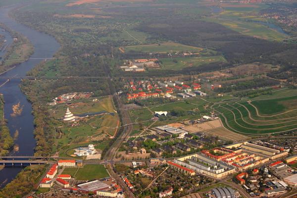 Fotograf zeigt Magdeburg - Magdeburg aus der Luft_02